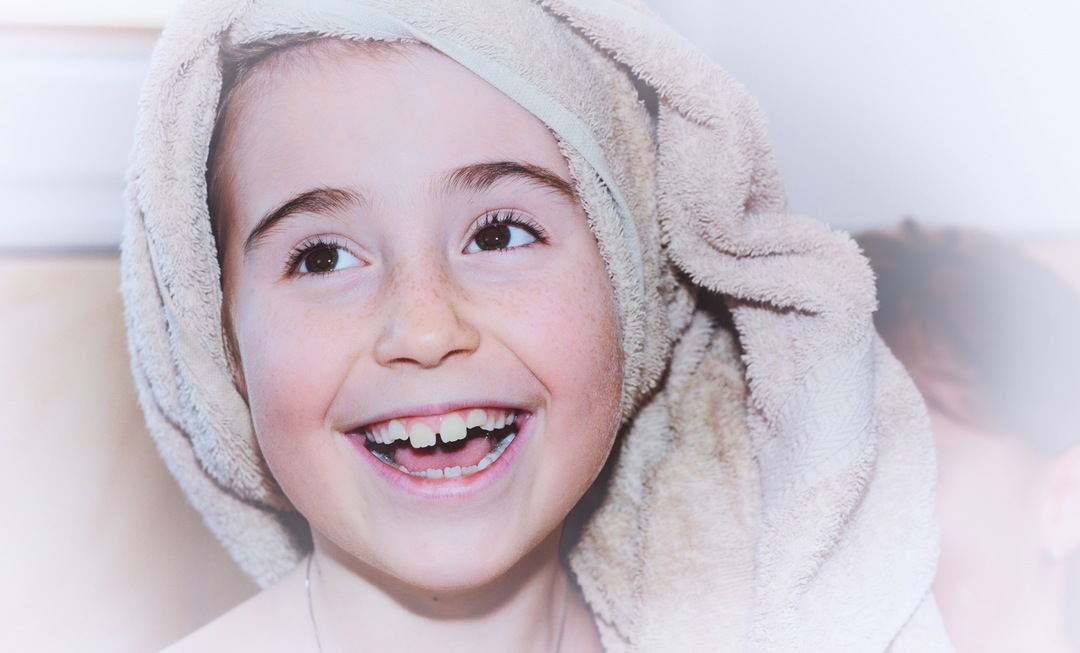 "4 Ways to Help Your Kids to ""Love"" Brushing Their Teeth"