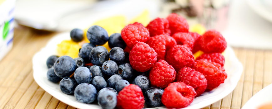 The Way You Eat Fruit Matters For Your Teeth